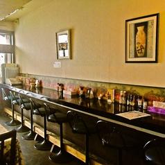 カウンターは7席ご用意がございますので、お一人のお客様や並んでお食事を愉しまれる方にはぴったりのお席となっております。