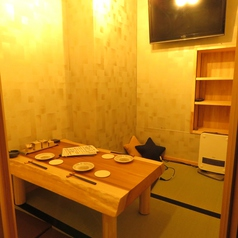 地下にある隠れた座敷個室。接待やデートなどでご利用ください。