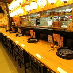 【カウンター席/1~2名様】落ち着いた雰囲気のカウンター席はお一人様のご利用も大歓迎♪広々スペースでゆったりお料理を楽しめます。