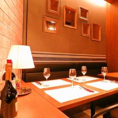 4名様テーブル席。落ち着いてお食事をするのにぴったりのテーブル席。様々な用途に幅広くご利用いただけます。