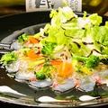 料理メニュー写真本日海鮮のカルパッチョ