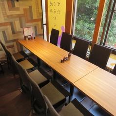 4名様テーブルは3席のご用意がございます。