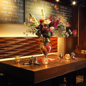 ベジバル Itaru 池袋 Vegetable Bar&Organicの雰囲気1