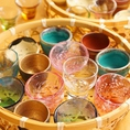 """選べるおちょこは女性にも大人気♪熟成魚に合う日本酒を厳選。""""獺祭50""""・""""美丈夫""""・""""族""""・""""出雲富士""""・""""嬉長""""など全14種類!"""