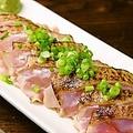 料理メニュー写真鳥取県産大山鶏の炙り刺し