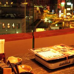 ◆上野駅すぐ。夜景が見える窓際のお席です☆