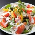 料理メニュー写真スモークサーモンのシーザーサラダ