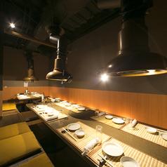 お店の二階には4から12名様用、完全個室も完備。人気席なのでご予約をお勧めします。