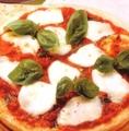 料理メニュー写真マルゲリータピザ Mサイズ