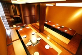 会社のご宴会に最適な20名様用のご宴会席です。詰めて座って頂ければ22、23名様ぐらいまで座れます。