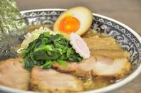 魚介豚骨と中太麺がマッチ