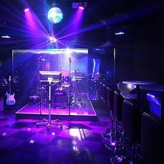 【カラオケエリア】生バンド演奏や特殊効果で他では体験できない臨場感のあるライブカラオケがお楽しみいただけます!