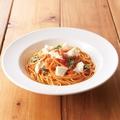 料理メニュー写真■フレッシュモッツァレラとバジルのトマトソース