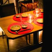 2~4名様の少人数でご利用いただけるテーブル個室席。あえて明度を落とした柔らかなオレンジの照明が艶のある落ち着いた雰囲気を演出します。錦糸町でのデートの後には、大人の雰囲気漂うこちらのお席でゆったりとお過ごしください。食材選びからこだわった自慢の料理と豊富な種類の銘酒で素敵な一日の思い出を彩ります♪