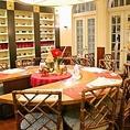 家族団らん的な雰囲気の丸テーブル