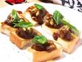 料理メニュー写真チョット自慢のカレーパンピザ