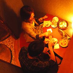 【四の階:掘りごたつ横並び個室】デートや親密な方とのお食事に♪4部屋のご用意です。
