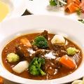 料理メニュー写真じっくり煮込んだ黒毛和牛のビーフシチュー