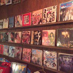 懐かしのレコードたくさんあります。