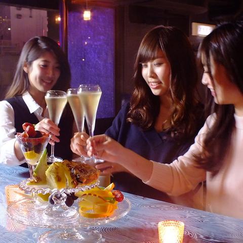 お洒落女子必見♪夜景の見える店内で乾杯★女子会・記念日・デートにおすすめのお店☆