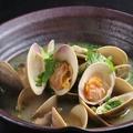 料理メニュー写真ハマグリと牡蠣の酒バター蒸し