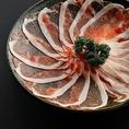 鹿児島県産黒豚食べ放題コース。かごしま黒豚は時間をかけてじっくり肥育された美味しい豚肉です。食べたときに歯切れがよく、やわらかいでジューシーな肉質をお楽しみください。
