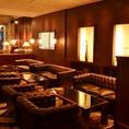 ラウンジソファ席。まるでホテルのロビーのよう!カフェタイムや2軒目使いにも、まったりできておすすめ。ビジネスの打ち合わせにもぜひ!