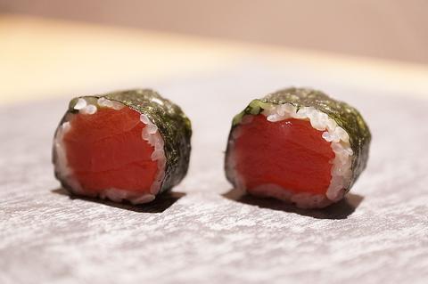職人が握る本格寿司!赤酢香るシャリと新鮮なネタは絶品。4500円以上コースは2名様~