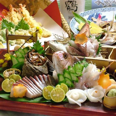 地産地消にとことんこだわり、瀬戸内の魚を地酒とともに思う存分味わえる。