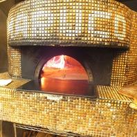 ピザの美味しさの秘訣はピザ窯にあり!!