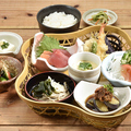 料理メニュー写真刺身天ぷら籠盛り御膳
