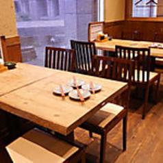 【2名~ご利用可】純和風なテーブル席。宴会はもちろん、合コン、女子会、幅広いシーンに◎