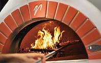 イタリアから取り寄せた窯と薪で焼き上げるナポリPIZZA