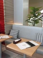 ■2名様掛け ソファーテーブル席■ご利用人数に合わせて結合も可能です♪