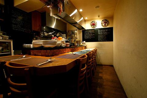 喧騒のなかにある隠れ家イタリアン。ホッとする空間で皆様をお待ちしております。