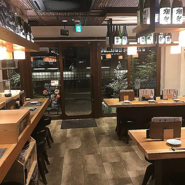 餃子食堂マルケン JR大久保店の雰囲気1