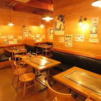 各テーブルの鉄板は大阪から特注で取り寄せた鉄板!