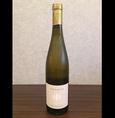 【ゲヴェルツ トラミネール トラミン】 白/辛口/トレンティーノ産          ライチや薔薇のようなニュアンスがあり、ピュアで生き生きした酸を感じられる。グラスに注がれた香りは、一面にフローラルな香りが充満します。個性的で、刺激的な香りが忘れられないほどのスパイシーさが魅力的な白ワインです。