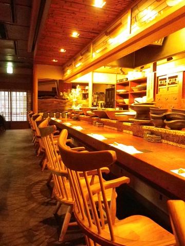 食材・器・技・お料理・座席、と、全てへのこだわりが感じられるお店。