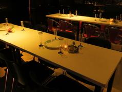 会社宴会などにもピッタリのテーブル席!