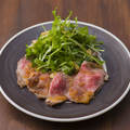 料理メニュー写真AUS産葡萄牛のローストビーフ ポン酢マリネ