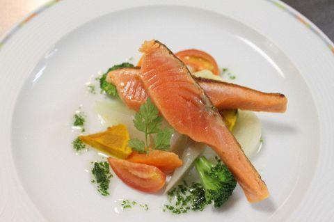 「これぞフランス料理」をリーズナブルに楽しめるデザイナーズレストラン