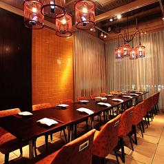 大人数でのご宴会にもご利用いただけるテーブル席。同窓会や会社でのご宴会にぜひご利用ください。
