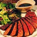 料理メニュー写真国産黒毛和牛の赤身ステーキ