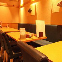 12~14名までOKのテーブル席。