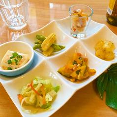 料理メニュー写真Riseの特製前菜6種