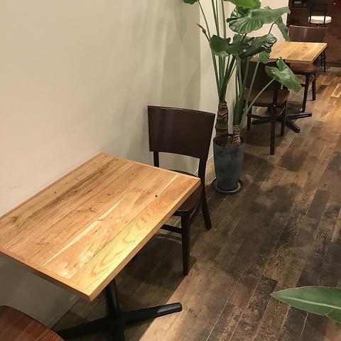 【2名テーブル席×2卓】美味しいオリジナルランチ&オリジナルケーキを日替わりでやっております!お昼休憩など是非ご利用下さい☆