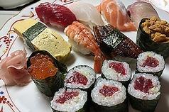 《特上》寿司(Combination-sushi 9pieces&Tuna roll)
