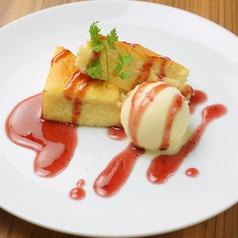 ベイクドチーズケーキ バニラアイスを添えて