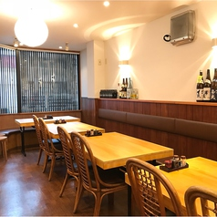 6名様掛けのソファー席。女子会や宴会にも最適です。当店自慢のお料理とお酒を満喫して、最後はそうめんで〆!